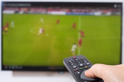 Transmisión de fútbol por televisión