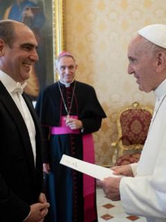 Jorge Mario Eastman y papa Francisco