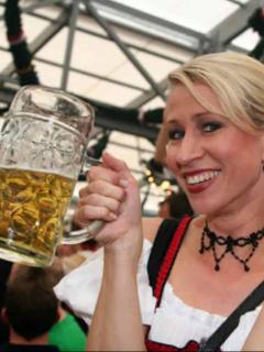 Cerveza y gastronomía en el Oktoberfest de este año tendrán un 'sabor' mucho más tropical