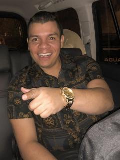 """Emotivo encuentro entre Alzate y fan (enamorada) que tiene """"huesos de cristal"""""""