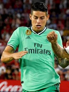 Con James de titular, Real Madrid vence al Sevilla y comparte liderato en España