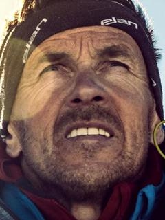 Primer hombre en descender del Everest en esquís muere de la forma menos pensada