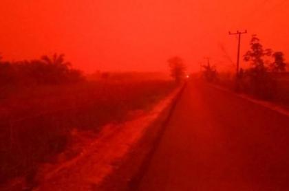 Indonesia cielo rojo