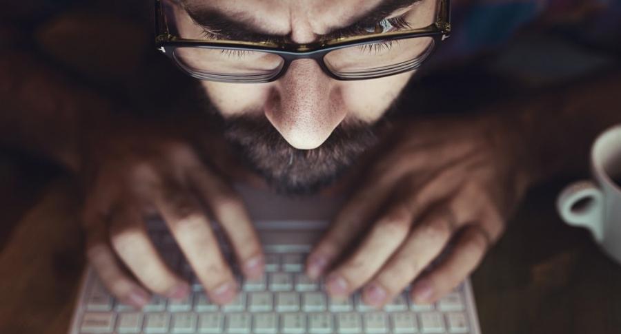 Manipulación de redes sociales