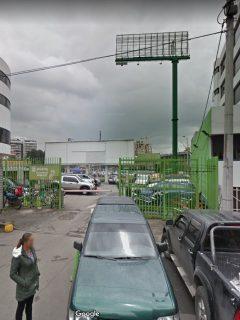 Parqueadero Calle 99 con Carrera 14