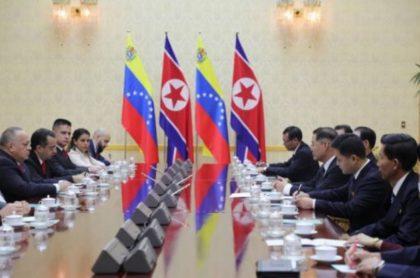 Diosdado Cabello reunido con comitiva de Corea del Norte