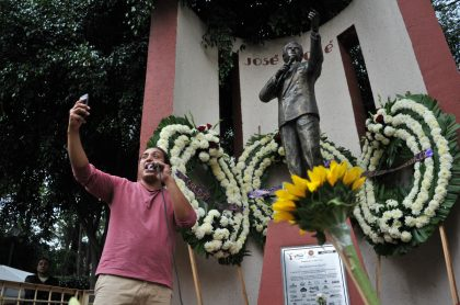 Homenaje a José José en México
