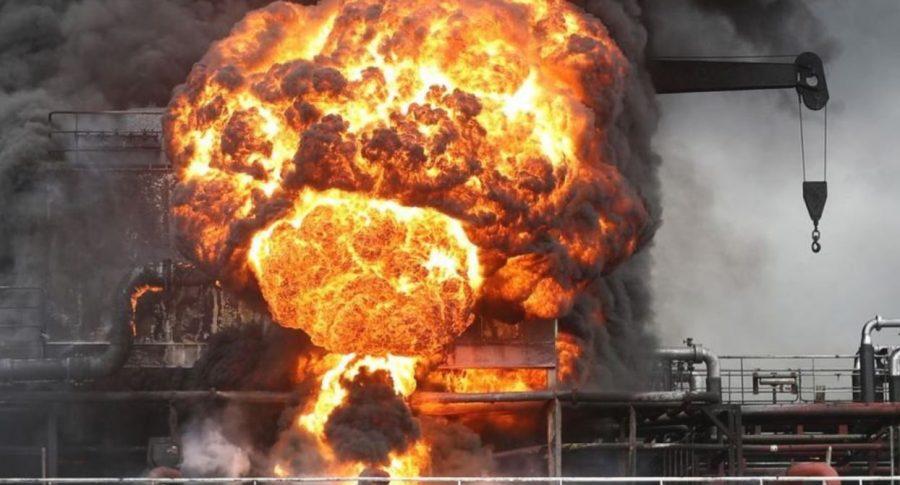 Explosión buque petrolero