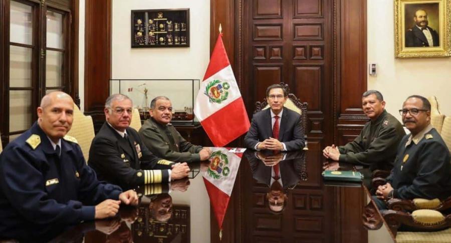 Militares apoyan presidente de Perú