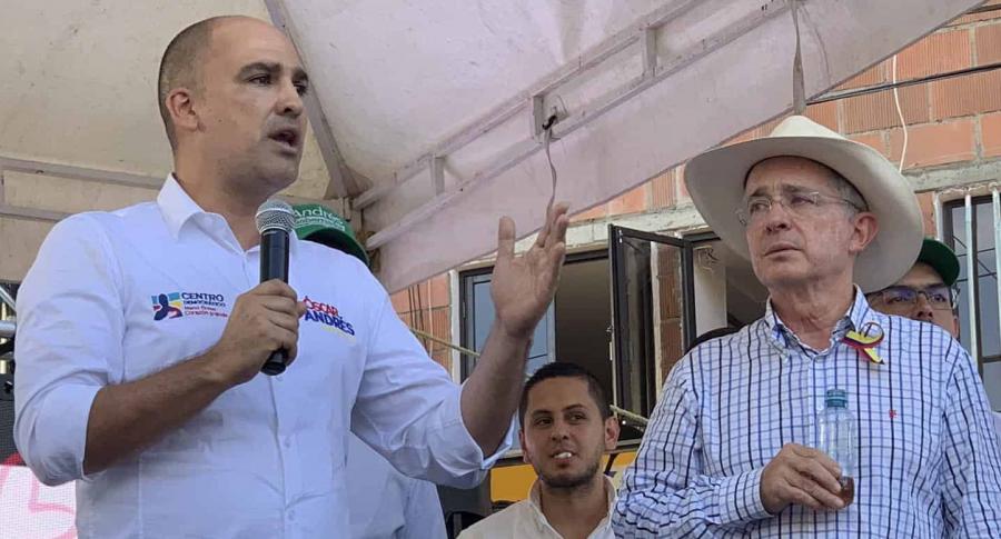 Óscar Andrés Pérez y Álvaro Uribe