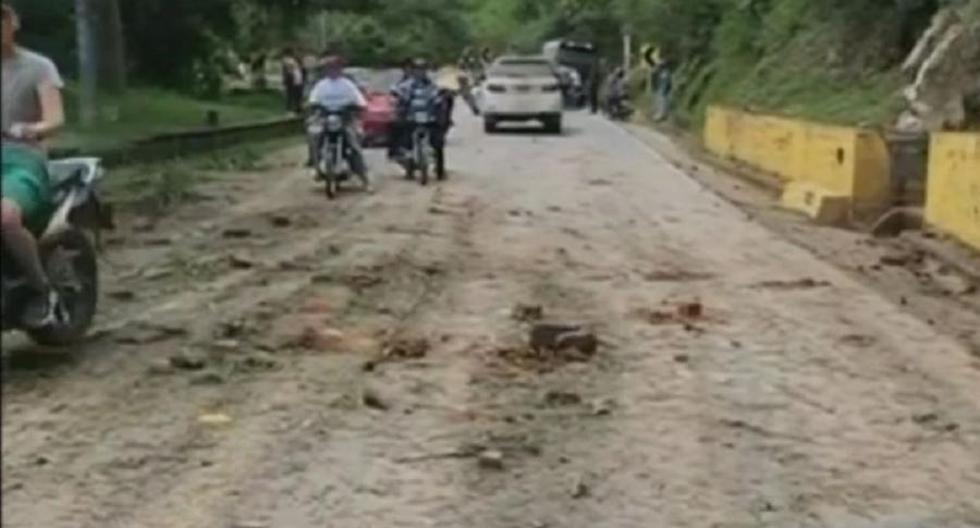 Vía afectada por petardo
