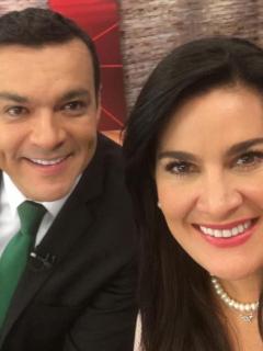 Juan Diego Alvira y Vanessa de la Torre, presentadora.
