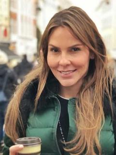 Paula Andrea Betancur posó en traje de baño con su bebé, que nació hace 3 meses