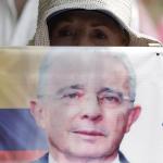 Manifestante a favor de Uribe