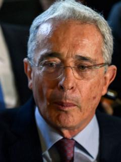 El día de paro, uno de los peores para Uribe: Twitter lo sancionó y no puede trinar nada