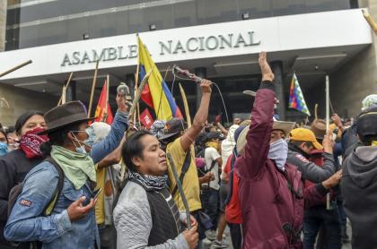 Indígenas en Congreso de Ecuador