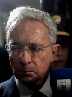 Publican reunión en la que Uribe puso en orden a generales por bombardeo a niños