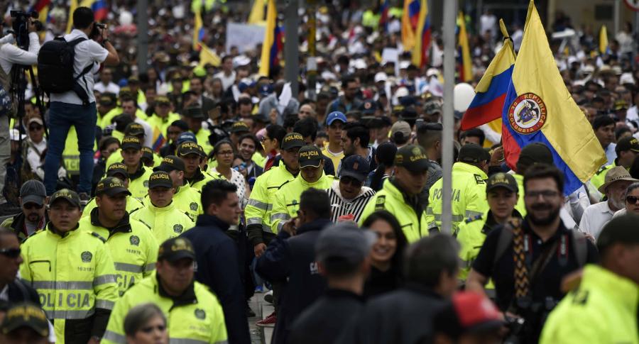 Policía en marchas