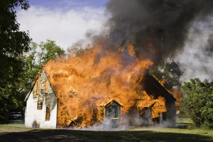 Casa incendio