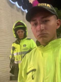 [Video] A este agresivo policía no le gustó que lo grabaran y así de 'bonito' reaccionó