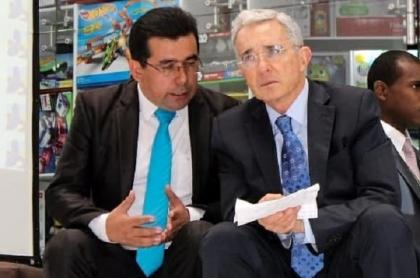 Jorge Cortés Álvarez y Álvaro Uribe Vélez