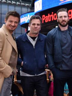 Jeremy Renner, Mark Ruffalo, Chris Evans y Robert Downey Jr.