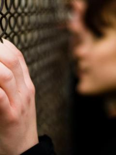Fingió ser discapacitada para recibir plata, pero video la delató y terminó en la cárcel