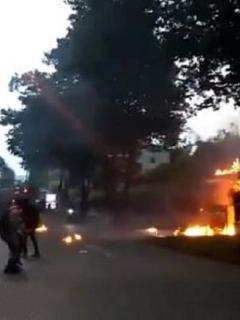 Casa incendiada en Pereira