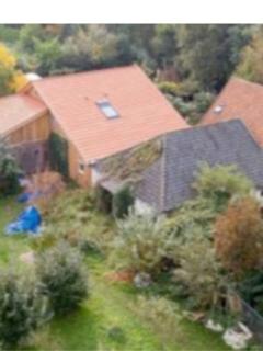 Familia que vivió 9 años en un sótano al parecer estuvo secuestrada por un conocido