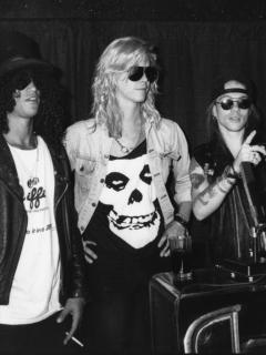 Slash, Duff McKagan, Axl Rose e Izzy Stradlin