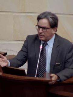 """""""Sentencia puede decir que el ministro fue un imbécil, en cuyo caso asumiré"""": Minhacienda"""