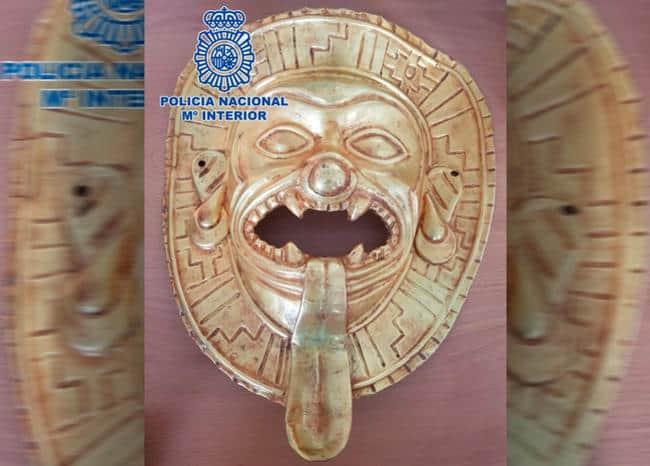 Pieza de oro precolombina