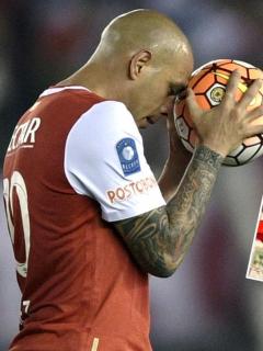 Ómar Pérez rompió el silencio y se destapó al ver a Ronaldinho con la 10 de Santa Fe