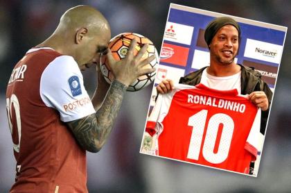 Ómar Pérez y Ronaldinho