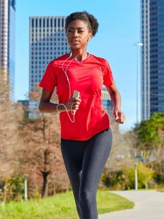 ¿Corre con el celular en la mano? Podría sufrir graves lesiones... y no por caídas