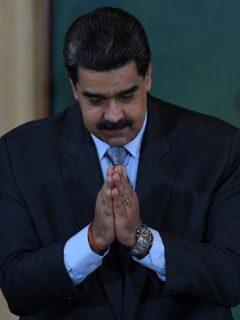 """""""Producir alimentos con nuestras manos educa mucho más que mil libros"""": Maduro, a niños"""