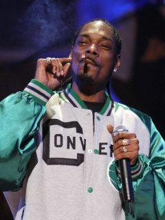 Enrollador de porros de Snoop Dogg gana más que algunos alcaldes colombianos