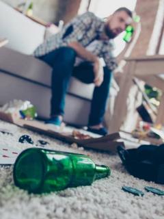 Recaudó dinero para su hijo enfermo, pero lo despilfarró en rumba y droga