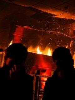 [Videos] Protestas en Chile mutaron a la anarquía total entre fuego, saqueos y violencia