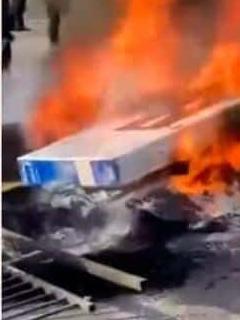 Manifestantes chilenos increpan a saqueador, le quitan TV y luego queman el aparato