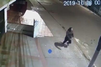 Hombre en accidente de tránsito