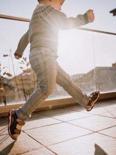 Niño resbaló de balcón y sobrevivió al caer sobre bicitaxi que justo pasaba por el lugar