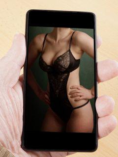 Ladrones ven fotos íntimas de mujer en celular robado (al novio) y llaman a extorsionarla