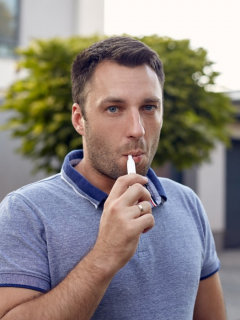 Mitos y verdades sobre los famosos dispositivos de tabaco iQOS: ¿hacen más o menos daño?