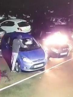 [Video] Captan a hombre que incendió 10 carros en un concesionario ¡a propósito!