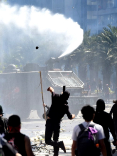 Tercera noche de toque de queda en Chile, por manifestaciones que dejan 11 muertos