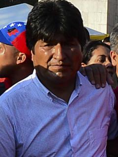 Chavismo celebra 'resonante triunfo de Evo', a falta de contar 50 % de votos y con empate