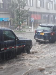 [Fotos y videos] Colapsó la movilidad en varias zonas de Bogotá por fuerte aguacero