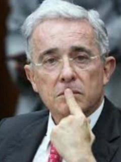 Mancuso saldría de prisión en 5 meses y quiere declarar en proceso contra Uribe