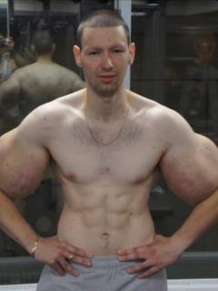 'Popeye' ruso no comió espinacas para su debut en MMA y perdió contra rival mucho mayor